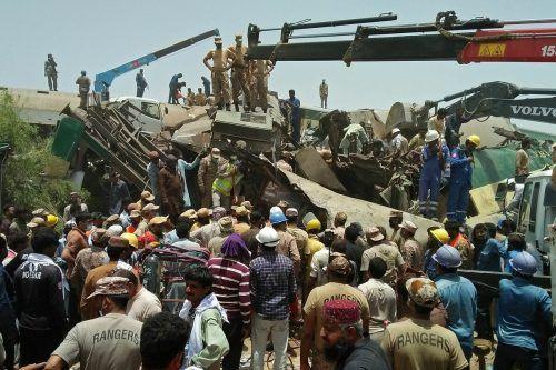 Aufgrund veralteter Gleise kommt es in Pakistan immer wieder zu Zugunfällen. afp