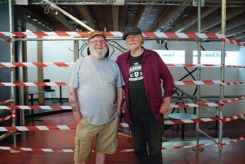 Brian O'Leary und John Gillard stammen aus Irland, haben sich in Vorarlberg getroffen und musizieren gemeinsam. tas