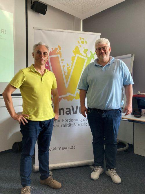 Christof Drexel präsentierte die Analyse bei Weider Wärmepumpen in Hard (im Bild mit Inhaber Lucas Rupp). KlimaVOR!