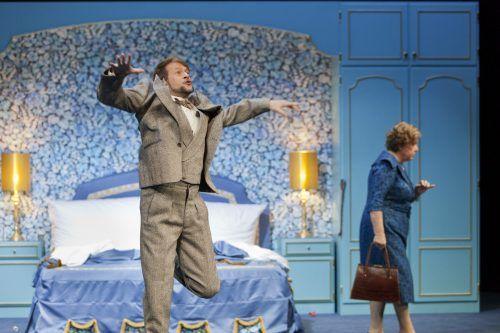 """Christoph Marthalers Gastpiel """"King Size"""" wird an drei Abenden am Vorarlberger Landestheater zu sehen sein. Simon HAllström"""