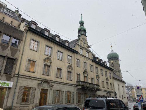 Das Bregenzer Rathaus wird für 480.000 Euro in einigen Bereichen neu organisiert.