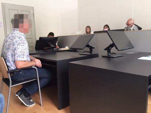 Der angeklagte Unteroffizier wurde im Rahmen einer Diversion mit einer Geldbuße von 1000 Euro belegt.vn/gs