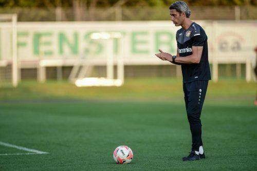 Der ehemalige Torhüter arbeitet heute als Trainer für Nachwuchstormänner beim deutschen Bundesligisten Leverkusen.vn