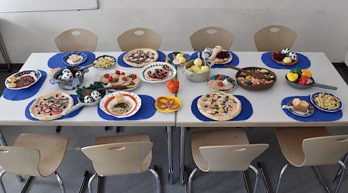 Der Tisch ist gedeckt – gegessen werden kann allerdings nur mit den Augen.PFZ Feldkirch