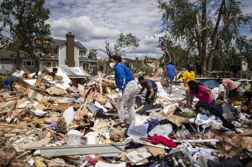 Der Wirbelsturm beschädigte mehr als 100 Häuser. ap