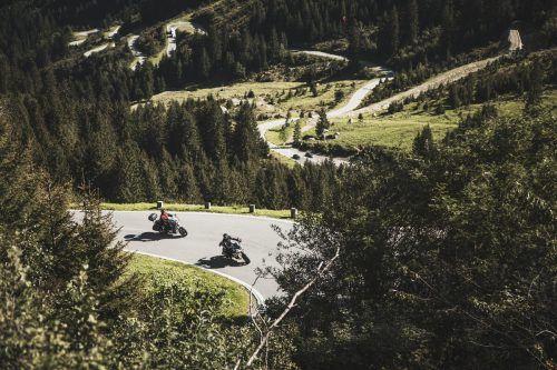 Die 22,3 Kilometer lange Silvretta-Hochalpenstraße mit ihren 34 Kehren ist ab heute wieder befahrbar. SChöch