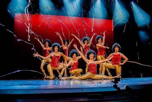 Die Dance Art Company lädt zur tänzerischen Zeitreise.Dance Art Company