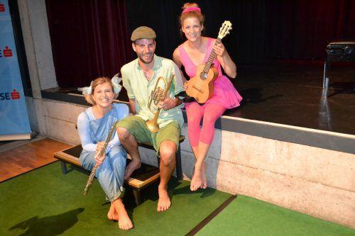 """Die drei Musiker von """"Pfiffikus"""" wussten ihr junges Publikum zu begeistern.BI"""