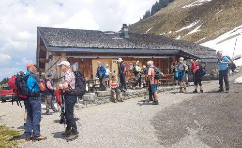 Die erste Wanderung des Seniorenbunds führte uns nach Corona zur Alpe Steris.ssb