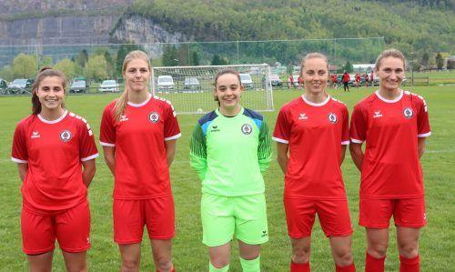 Die FCD-Legionärinnen (v. l.): Isa Gomez Jodar, Anne Fleur Duppen, Torfrau Leire Rodriguez Lizarralde, Mireille Susanne Eilander und Catherine Nolan.Knobel