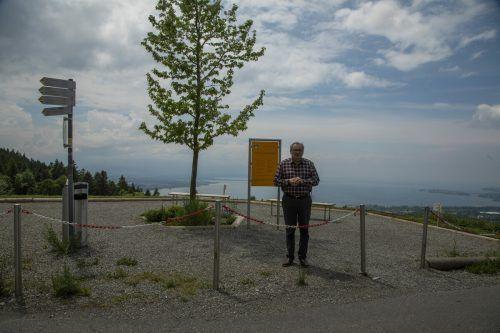 Die Gemeinde hat ein Schild aufgestellt. Hehle fordert einen Zaun.