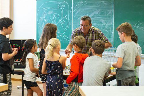 In den letzten Jahren freuten sich bereits viele Walgauer Schulen über den Besuch der Handwerk-Füchse.