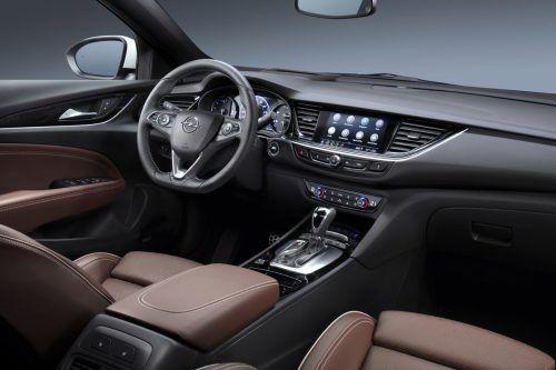 Die Insignia-Kommandozentrale ist im Opel-typischen Stil eingerichtet.