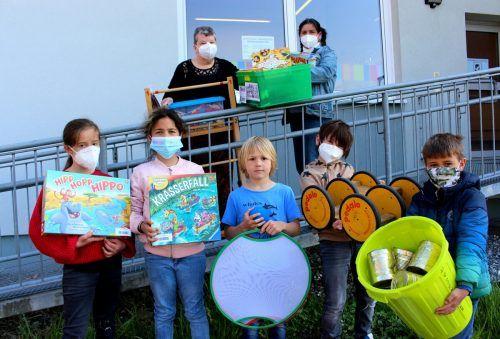 """Die Kinder können sich in der Bücherei-Spielothek ihre ganz persönliche """"Spielekiste"""" für das Geburtstagsfest oder die Gartenparty selbst zusammenstellen und füllen lassen. bms"""