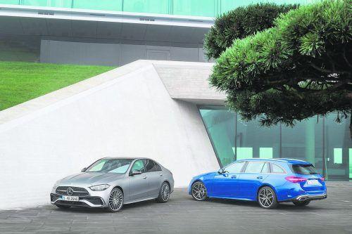 Die nächste Generation der C-Klasse steht als Limousine und Kombi (T-Modell) in den Startlöchern. Für Vortrieb sorgen ausschließlich elektrifizierte Antriebe.werk