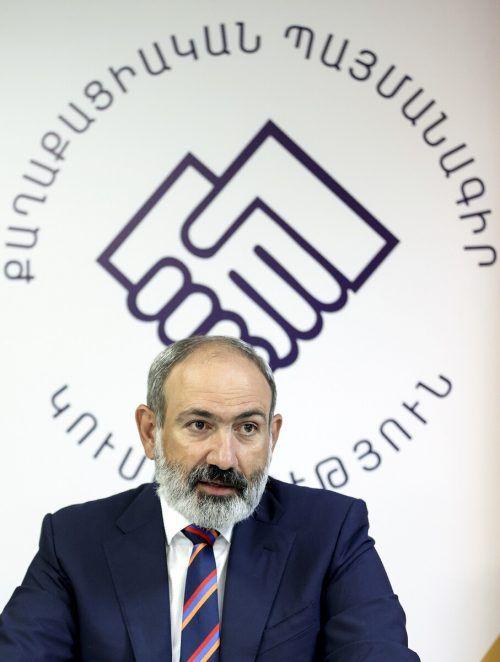Die Partei von Regierungschef Paschinjan gewann deutlich. PAN Photo/AP
