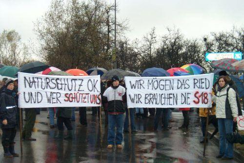 Die S 18 schreibt Geschichte, egal ob sie gebaut wird oder nicht. Ein Bild aus dem Jahre 2000 mit einem Protest von Straßen-Befürwortern. Malz