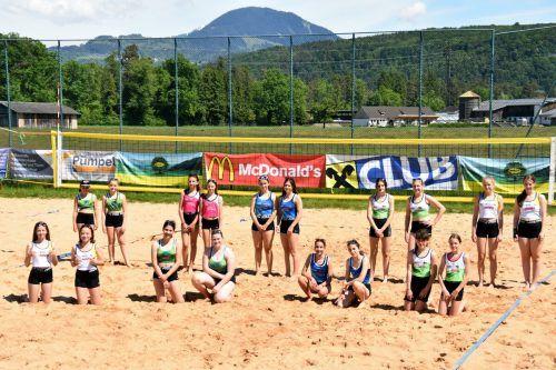 Die Teams der Stadtmeisterschaft, die sich bei den ersten Turnieren der ASVÖ-Beachtour West gemessen haben.Schuler