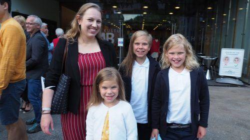 Dulia kam mit ihren Kindern Isla, Aaron und Ilmari.