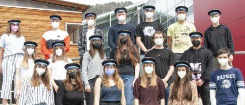 """Ein einmaliger Erfolg für eine Schule beim """"Generation Euro Students Award"""": Die V. HAK-Klasse der Bezauer Schule kam komplett ins Finale."""