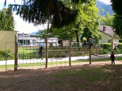 Ein einzigartiges Ambiente bietet der Spielplatz bei der VS Bludenz-Mitte.Bludenz