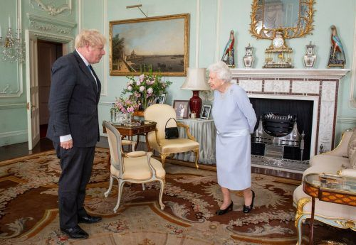 Erstmals seit Beginn der Pandemie empfing Queen Elizabeth II. den britischen Premier Boris Johnson zu einer persönlichen Audienz. AFP