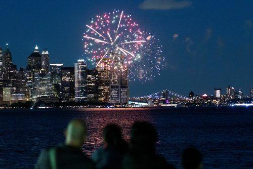 Feier mit Feuerwerk: Im US-Staat New York sind über 70 Prozent der Erwachsenen mindestens einmal gegen Corona geimpft worden. Reuters
