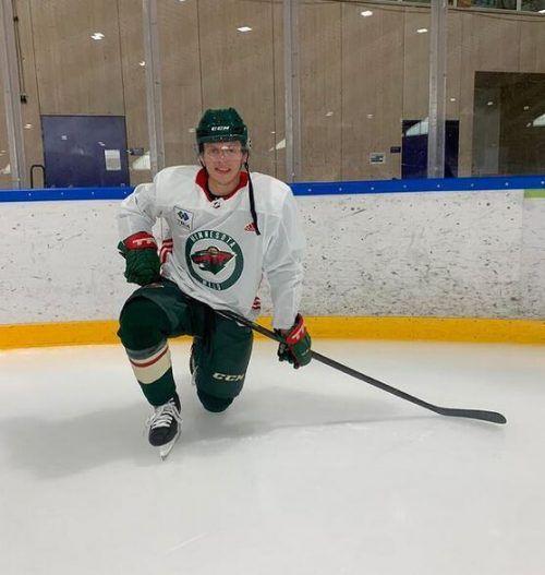 Marco Rossi startet heute in der Rheinhalle sein Eishockey-Camp.mir