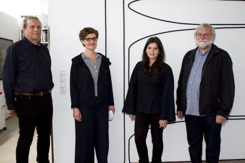 Fridolin Welte, Doris Fend, Barbara Geyer und Dietmar Fend im Ausstellungsraum QuadrArt in Dornbirn.md