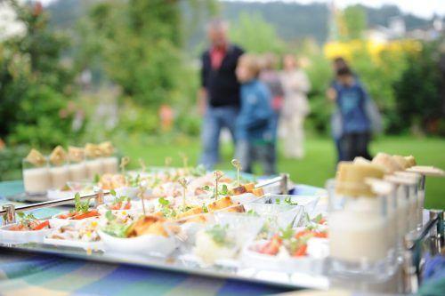 Frisch zubereitete Häppchen aus der Region erwarten die Gäste. ESS
