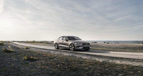 Für die Neuaufstellung des S60 – 2018 – hatte Volvo Dieselantriebe von vorneherein ausgeschlossen. Es gibt Mildhybrid-Benziner und Plug-In-Hybride.