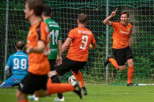 Gaißaus Hannes Röthlin traf zum 2:0, das Tor war maßgeblich für den Weg zurück in die Landesliga.LERCH