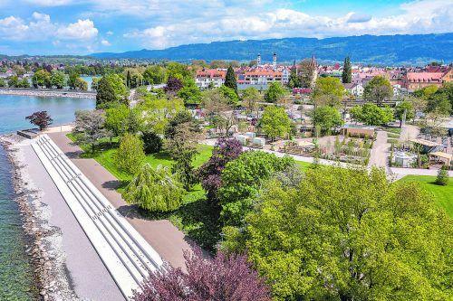 """""""Gartenstrand"""" lautet das Motto der Bayerischen Gartenschau, die bis zum 26. September in Lindau stattfindet. christian flemming"""