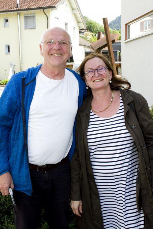 Gernot und Autorin Gabriele Bösch kamen gut gelaunt.