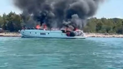 H.C. Straches Urlaubsjacht in Kroatien fing Feuer. youtube, APA