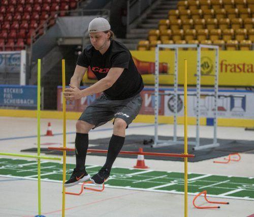 Hohe Hürden: Kevin Puschnik arbeitet an seiner Sprungkraft.