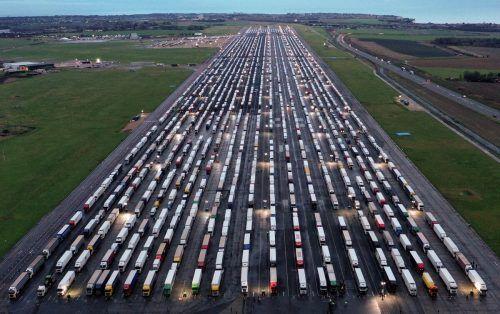 Im Dezember steckten Tausende Lkw-Fahrer in England fest: Grund waren die Grenzschließungen in Frankreich. afp