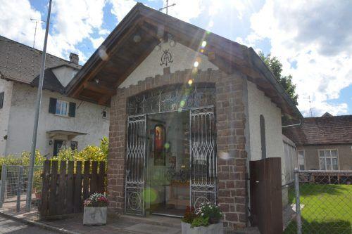 Im Garten von Familie Marinkovic steht schon seit über hundert Jahren eine Lourdes-Kapelle.