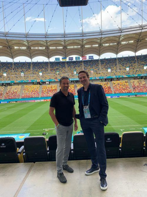 Im Stadion: Sporteo-CEO Hanno Egger mit ÖFB-Marketing-Direktor Michael Schmid.VN