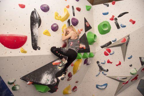 In der Boulderhalle ihres Vaters kann Naima Gringl perfekt auf ihre Wettkämpfe hintrainieren. VN/JUN