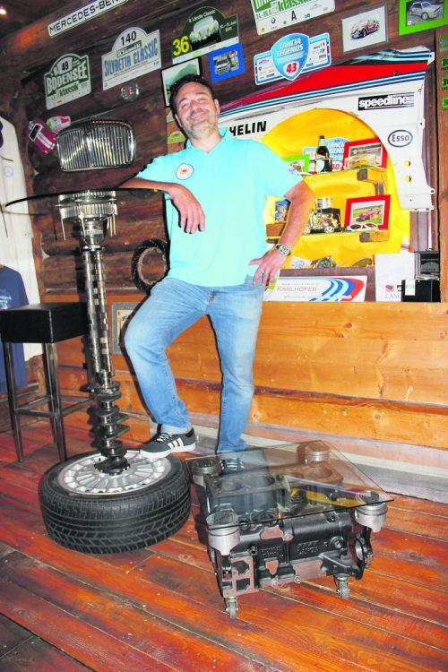 In seiner Freizeit bastelt Milko Agueci gerne Möbel aus Autoteilen.