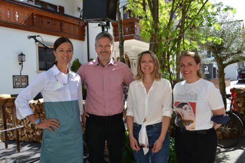 Ingrid und Martin Prodinger (Hotel Sandburg), Julia Mumelter und Renée Jud.