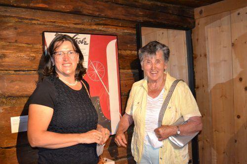 Interessierten sich für die Ausstellung: Michaela Schnell mit ihrer Mutter Rosi.