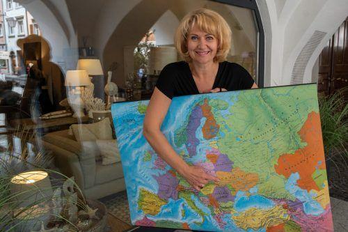 Jeanette Härdlein zeigt allen gern, wo die Ukraine liegt. Sie glaubt, dass die Leidenschaft für ihre Heimat spricht.lerch