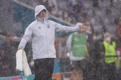 """Joachim Löw im Dauerregen von München: """"Das war nichts für schwache Nerven.""""apa"""