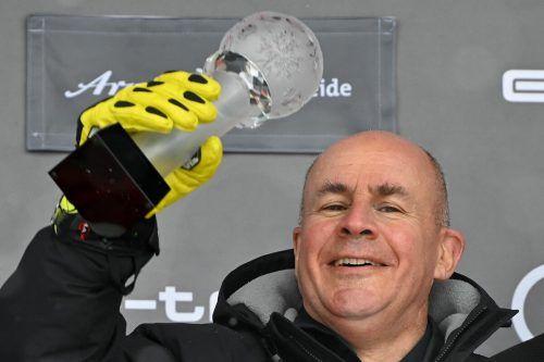 Johan Eliasch, Chef des Kennelbacher Ski- und Tennisracketherstellers Head, setzte sich bei der Präsidentenwahl des Internationalen Skiverbandes im ersten Wahlgang durch.