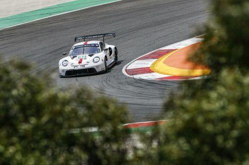 Kévin Estre kämpfte mit dem 512 PS starken Porsche beim WM-Lauf in Portimao mit Reifenproblemen. Jürgen Tap