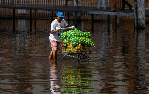 Manaus kämpft bereits seit mehr als einem Monat mit starkem Hochwasser. AFP