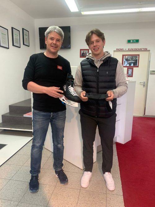 Marco Rossi holte sich bei Thomas Fetz, Inhaber der Firma Vogelsberger Orthopädie in Rankweil, vor dem Camp maßgeschneiderte Einlagen für die Schlittschuhe ab.mir