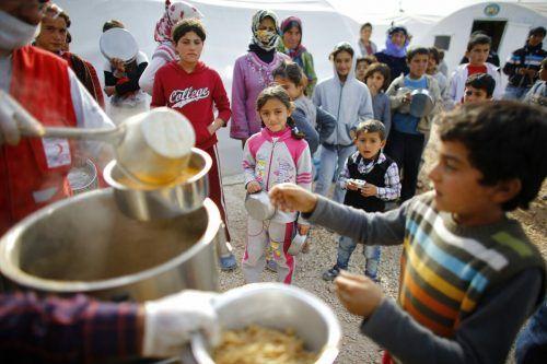 Nach Angaben des Welternährungsprogramms WFP haben mehr als zwölf Millionen Syrer und damit fast 60 Prozent der Bevölkerung nicht genug zu essen. Reuters